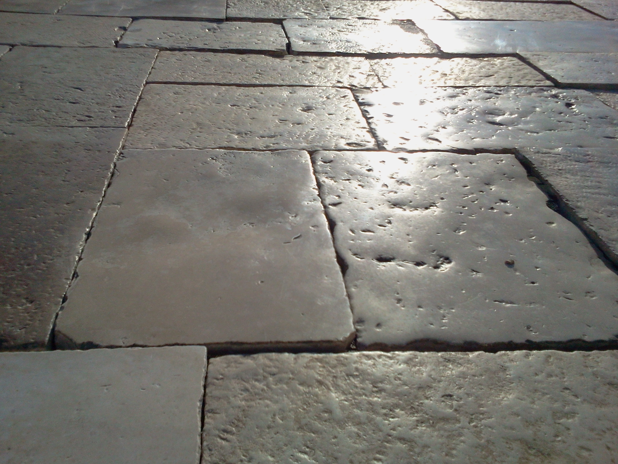 ANTIQUE STONE FLOORS-BOURGOGNE LIMESTONE 17th CENTURY STOCKS