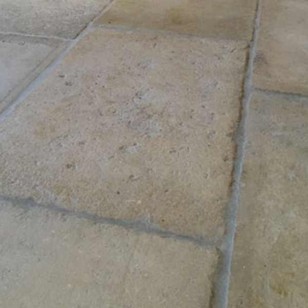ANTIQUE STONE GREY BARR DE MONTPELLIER