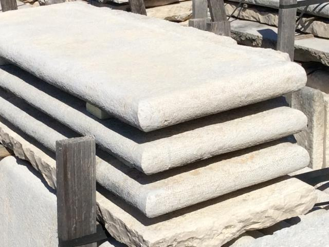 RECLAIMED LIMESTONE STEPS