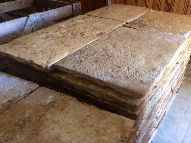 ANTIQUE STONE FLOORS 5 CM THICK