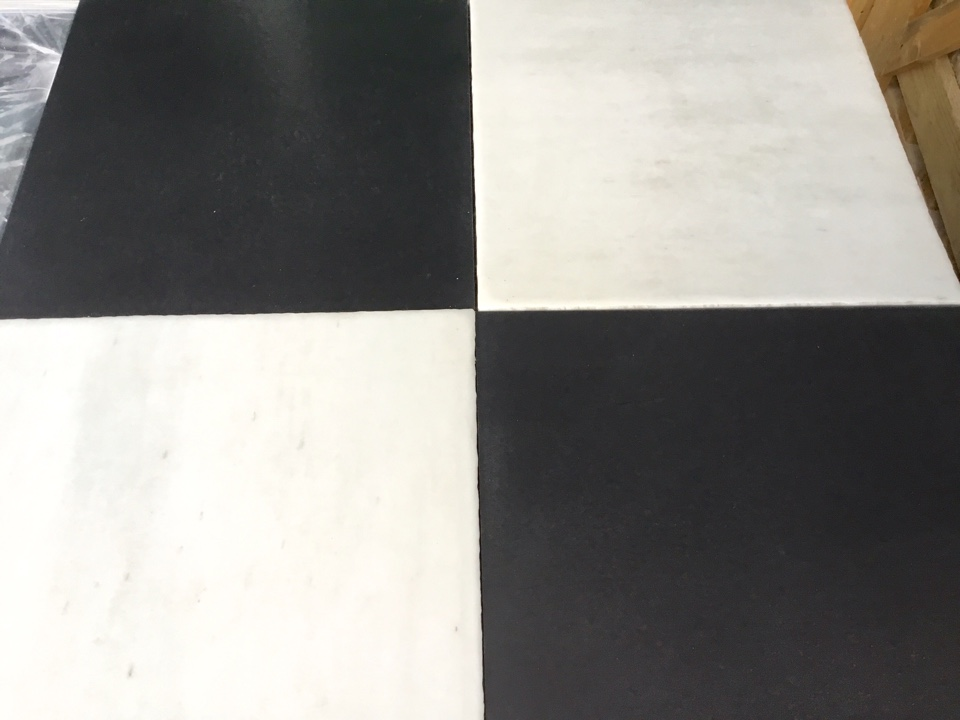 CHESSBOARD CARRARA & BLACK SLATE