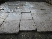 DALLE DE BOURGOGNE ANCIENT FLOOR ANTIQUE RECLAIMED EXQUISITE SURFACES PAVES PAVING PAVE'TILE,COUPèE A' 3 CM.(STOCK FOR SALE)LIMESTONE FLAGSTONES AGE 1700 ORIGINATES THEM CUT TO 3 CM. THICKNESS.