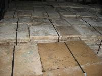 ANCIENT RECOVERY FLOORING OLDSTONE OF  BOURGOGNE ANTICK FLOORS CUT A 5 CM. FOR EXTERIORS. (STOCK OF 500 M2).<br> MATERIAUX ANCIENS,RECLAIMED ANTIQUE LIMESTONE